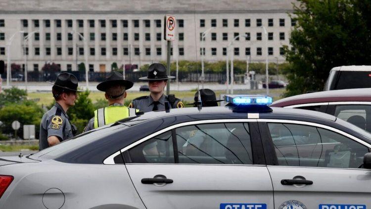Un policía y su atacante muertos en ataque cerca del Pentágono. Foto: AFP