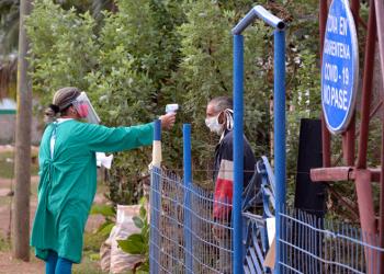 Ciego de Ávila registra 270 fallecidos a causa de la enfermedad contagiosa en los últimos 15 días y cifras de contagios que superan los 1000 casos como promedio diario. Foto: Alejandro García/Invasor.