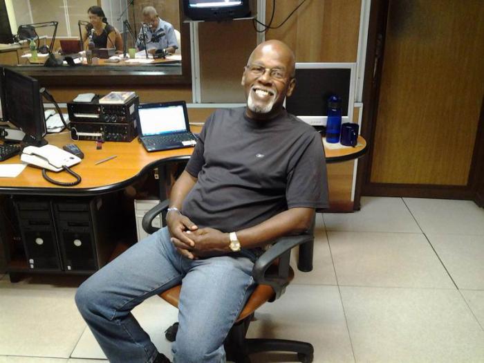 El versátil realizador Luis Ismael Rensoli, Premio Nacional de Radio 2021 en Cuba. Foto: Granma / Archivo.