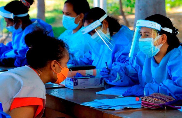 Centro de test anticovid en Dili. (Timor Oriental) Foto: EFE/EPA/Antonio Dasiparu.