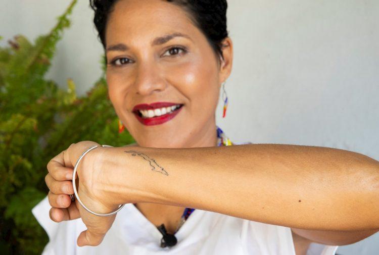 La cantante cubana Haydée Milanés, hija de Pablo Milanés, durante una entrevista con Efe el 11 de septiembre de 2021, en La Habana (Cuba). Foto: EFE/ Yander Zamora.