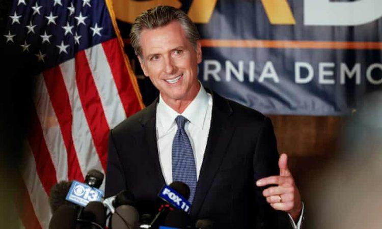 El gobernador Newsom habla a la prensa tras conocerse el resultado del revocatorio. | Foto: Fred Greaves / Reuters