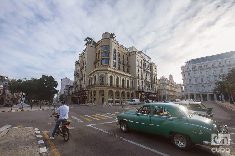 Calle Prado, circundan el Parque Central de La Habana, Cuba. Foto: Otmaro Rodríguez