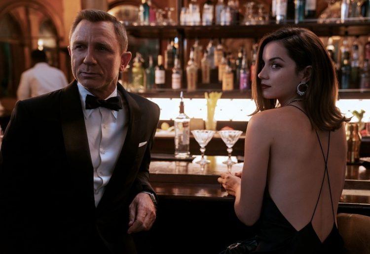 Ana de Armas y Daniel Craig, en Sin tiempo para morir, de estreno en Londres este 28 de septiembre. Foto: trendencias.com