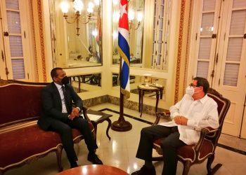 Bruno Rodríguez y Sidi Mohamed Omar. Foto: Twitter oficial del canciller cubano.