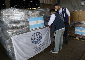 Imagen de archivo de un donativo preparado por los Cascos Blancos de Argentina. Foto: sputniknews.com / Archivo.