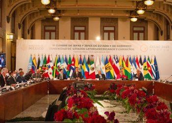 Jornada de debate en la cumbre de Celac. Foto: cancillería cubana.