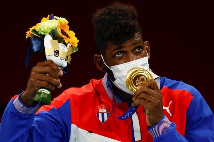Andy Cruz, uno de los campeones cubanos en los Juegos Olímpicos de Tokio, tendrá la posibilidad de ganar 100 mil dólares si triunfa en el Mundial de Belgrado. Foto: EFE.