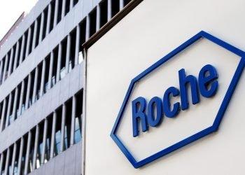 Sede de la farmacéutica suiza Roche, en Basilea. Foto: STEFFEN SCHMIDT/EFE.