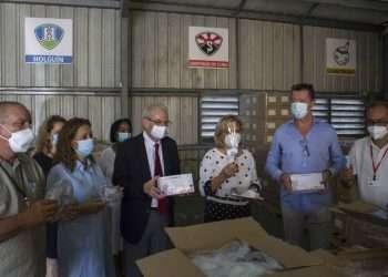 Acto de donación de insumos médicos por parte de la compañía Havana Club Internacional S.A .en la Empresa de Suministros Médicos. Foto: Ariel Ley Royero/Acn.