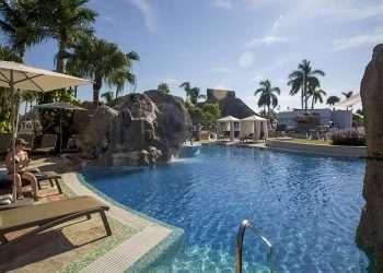 Piscina del hotel Royalton Hicacos Resort Spa, en Varadero, Cuba. Foto: Ismael Francisco/ Cubadebate.