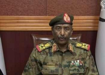 El jefe de las fuerzas armadas, el general Abdel-Fattah Burhan, anunció en un discurso televisado que estaba disolviendo el Consejo Soberano gobernante del país, así como el gobierno encabezado por el primer ministro Abdalla Hamdok. Foto: AP.