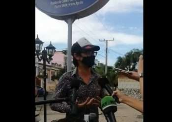 Activista y dramaturgo Yunior García, uno de los promotores de la marcha anunciada para el 15 de noviembre. Foto: captura de pantalla del video publicado por Razones de Cuba.