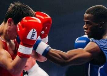 El boxeador cubano Osvel Caballero (der). Foto: Juventud Rebelde / Archivo.