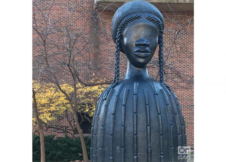 Brick House, de Simone Leigh, en la universidad de Pennsylvania, Philadelphia. (Foto de la autora).
