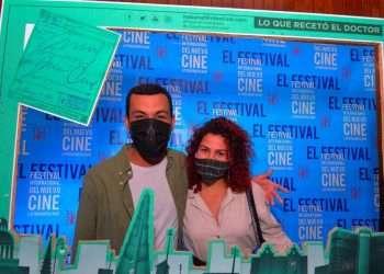 Jóvenes asisten a la primera parte del 42 Festival de Cine de La Habana en diciembre de 2020. Foto: habanafilmfestival.com
