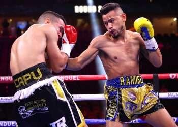 Robeisy Ramírez (derecha) sacó la mejor parte en su pelea contra el boricua Orlando González. Foto: @trboxeo