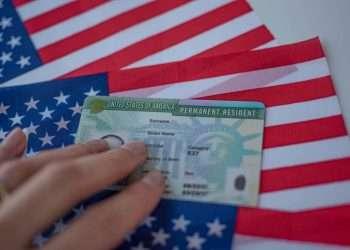Imagen de una tarjeta de residente permanente. | Departamento de Estado.